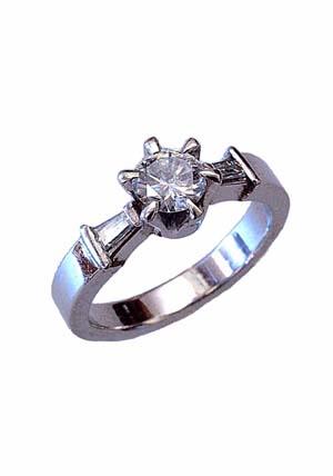 古いデザインのダイヤモンドリング
